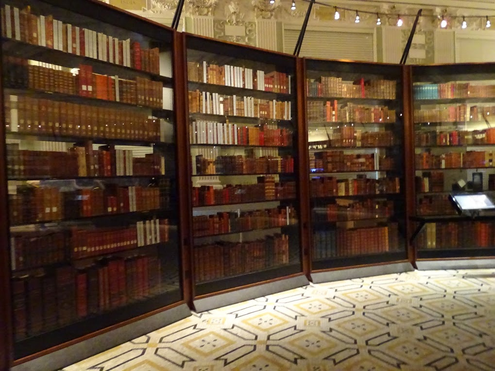 Thomas Jefferson's Book Collection <a href='jeffersons-book-collection.html'> more details >> </a>